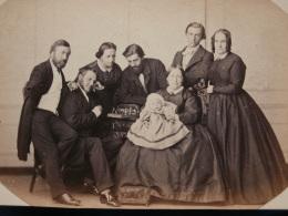 Photo CDV Anonyme - Second Empire Noblesse Groupe Familial  La Partie D'échec Vers 1860 L370 - Photos