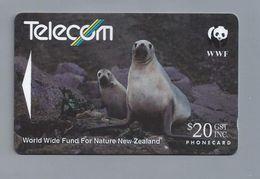 NZ.- Telecom New Zealand Limited. WWF. Hooker's Sea Lion. Zeeleeuw. Photo: Craig Potton. Phonecard. Telekort. 141D - Telefoonkaarten