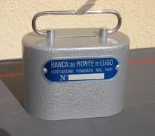 Salvadanaio Metallo Grigio ITALORA Banca Monte Lugo VINTAGE PIGGY BANK SPARDOSE (no Key). - Materiale