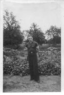 PHOTO  KOBERG AOUT 1942 STALAG XA 19 GEPRUFT  PRISONNIERS DE GUERRE INDENTIFIES AU VERSO FORMAT 9 X 6 CM - Guerre, Militaire