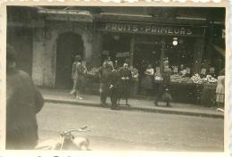 PHOTO COMMERCE DE FRUITS ET LEGUMES  AOUT 1949 FORMAT  8.50 X 6 CM - Métiers