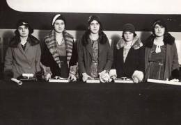 Paris Apprenties De La Couture Parisienne Distribution De Prix Ancienne Photo Meurisse 1930 - Professions