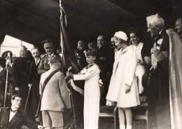 Gembloux Prince Heritier De Belgique Remise De Drapeaux Ecoliers Ancienne Photo SAFARA 1930's - Famous People