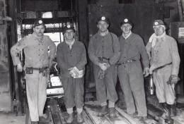Lorraine Creutzwald Mine De Charbon La Houve Militaires Argentins Ancienne Photo Gilbert 1959 - Professions