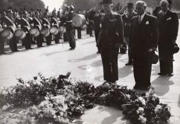 Paris Soldat Inconnu General Legentilhomme Et Revers Ancienne Photo De Presse 1945 - War, Military