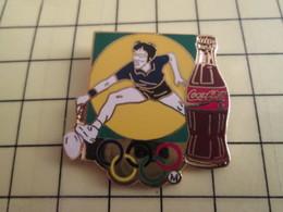 Pin516c Pin's Pins /  Rare Et De Belle Qualité : SPORTS BADMINTON COCA-COLA JEUX OLYMPIQUES PEKIN 2008 - Badminton