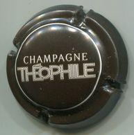 CAPSULE-CHAMPAGNE ROEDERER Louis N°110 Cuvée THEOPHILE Marron Foncé & Blanc - Roederer, Louis