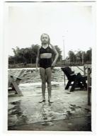 Foto/Photo. Jeune Fille En Maillot. 1947. - Pin-Ups