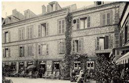 76 ETRETAT - Hôtel Hauville - La Cour - ND Phot. N° 386 - Animée - Etretat