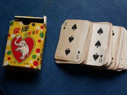 PETIT JEU DE 52 CARTES ANCIEN - Cartes à Jouer