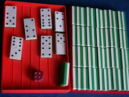JEU ANCIEN DE 56 DOMINOS  - PLASTIQUE - Group Games, Parlour Games