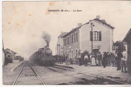 Rare Cpa Varrains La Gare Très Animée Avec Train à Vapeur - Autres Communes