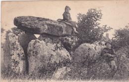29. PENMARCH. CPA. LE DOLMEN DE LESTRIGNIOU. ANNÉE 1923 - Dolmen & Menhirs