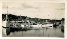 PHOTO DEAUVILLE TROUVILLE LE BASSIN DES YACHTS 1933 FORMAT  11.50 X 6.50 CM - Places