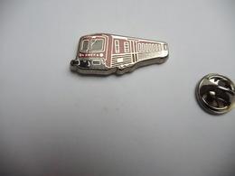 Beau Pin's En Zamac  , Transport Train SNCF , TER , Transport Express Régional , Rouge - Transport