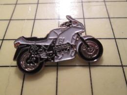 PIN413F Pin's Pins / Rare Et Beau : MOTOS / MOTO SPORTIVE BLANCHE ET NOIRE MARQUE INCONNUE - Motorräder
