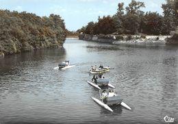 Bergues Pédalo Canotage Canal Du Roy - Bergues
