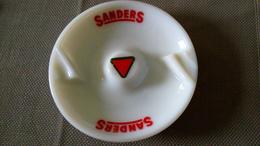 GRAND CENDRIER SANDERS 15cm - NUTRITION ANIMALE - OPALINE Et Sérigraphie SANDERS - Ashtrays