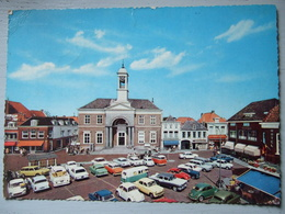 HARDERWIJK / MARKT / BELLE CARTE PHOTO ET SUPERBE COLLECTION DE VOITURES SUR LA PLACE / 1966 - Harderwijk