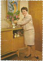 Intérieur Et Dame Années 60/70 - Cartoline