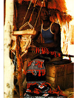 TISSERAND AU MUSEE NATIONAL NIAMEY NIGER Superbe Cpsm 15X105 Animée Bon état Voir Scans - Niger