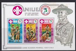 Niue  BF 63 En 64  Scoutisme Lord Baden Powell - Niue