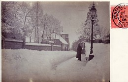 Carte-photo De PONTARLIER (Doubs) - Rue De La Gare Par Temps De Neige. Mars 1906. Circulée. TB état. - Pontarlier