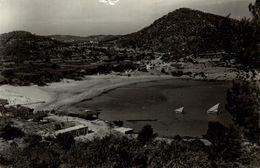 BALEARES IBIZA SANTA EULALIA DEL RIO, BAHIA Y PLAYA DE CALALLONGA. FOT. VIÑETS - Ibiza