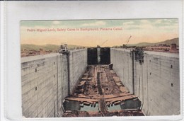 PANAMA. PEDRO MIGUEL LOCK, SAFETY GATES IN BACKGROUND, PANAMA CANAL. VALENTINE SOUVENIR Co.-TBE-BLEUP - Panama