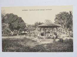 C.P.A. GUYANE : CAYENNE Une Vue Du Jardin Botanique, Le Kiosque, Vélos, Animé - Cayenne