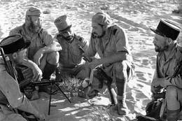 Militaria WW2 -  Commandos De La Légion Etrangère Dans Le Désert Libyen En 1942 - 1939-45