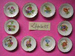 Série Complète De 10 Feves En Porcelaine Décor Or ASSIETTES - ASSIETTINES FLEURS 1999 ( Feve Miniature ) - Fèves