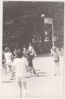 Photo NEDERLAND Hollande Belgique -ecole Eleve Recreation Basket 1960 - Scholl Leerling Speeltuin Korfbal  Jongen - Sports