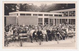 26466 Deux Carte Photo NEDERLAND Hollande Belgique -ecole Eleve Fete Officelle 1960 - Scholl Leerling  Feestdag Jongen - Pays-Bas