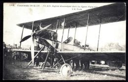 CPA ANCIENNE FRANCE- MILITARIA- UN AÉROPLANE ANGLAIS DESCENDANT DANS LES LIGNES FRANCAISES- TRES GROS PLAN ANIMÉ - War 1914-18