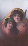 Vrouw Met Kind - Femmes