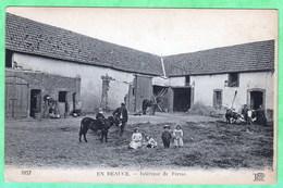 1057 - EN BEAUCE - INTERIEUR DE FERME - France