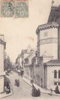 37 TOURS. CPA . LA RUE DES HALLES ET LA BASILIQUE SAINT MARTIN. ANNEE 1906 - Tours
