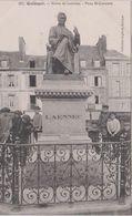 Finistère  : QUIMPER : Statue  De  LAENNEC  , Place  St Cornetin - Quimper