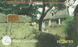 CARTE +PUCE-25U--SA2-MADAGASCAR-MAISON TRADITIONNELLE-UTILISE-1000000Ex-V° N°Rouge-TBE - Madagascar