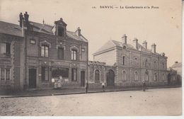 SANVIC - La Gendarmerie Et La Poste  PRIX FIXE - Autres Communes
