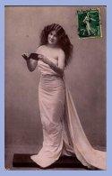 Carte Photo - Mode - Femme Dans Un Drapé - Moda
