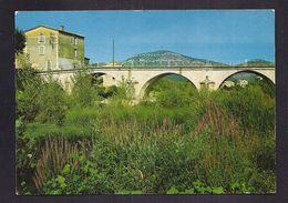 CPSM 30 - QUISSAC - Le Pont Sur Le Vidourle - TB PLAN EDIFICE + Gros Plan Habitation à Gauche - Quissac