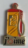 Pin's - Carburant - SCHELL - Pompe à Essence - J'aime - - Fuels