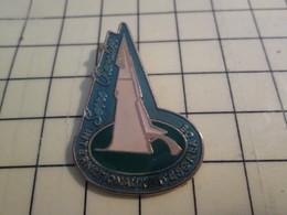 PIN513h Pin's Pins / Rare Et Beau : SPORTS / INTERNATIONAUX D'ESCALADE SERRE-CHEVALIER - Pin's