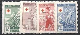 Finlande 1946 N° 305/308 Surtaxe Croix Rouge  Industries - Ungebraucht