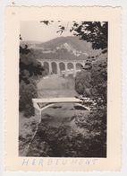 26484 Huit 8 Photo -Belgique Belgie Herbeumont - Années 1950 - Camping Femme Pont Meuse - Lieux