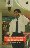 CARTE-MAGNETIQUE-1990 -SINGAPOUR-5$-HOMME Au TELEPHONE -BE - Singapour