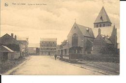 Han-sur-Lesse - TRAM - Eglise Et Arrêt Du TRAM - NELS - Etat: Pli Coin Sup Droit - Voir 2 Scans - Rochefort