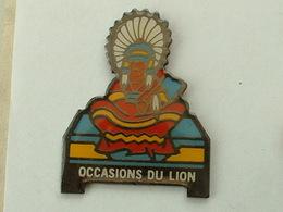 Pin's  PEUGEOT - LES OCCASIONS DU LION - INDIEN - Peugeot
